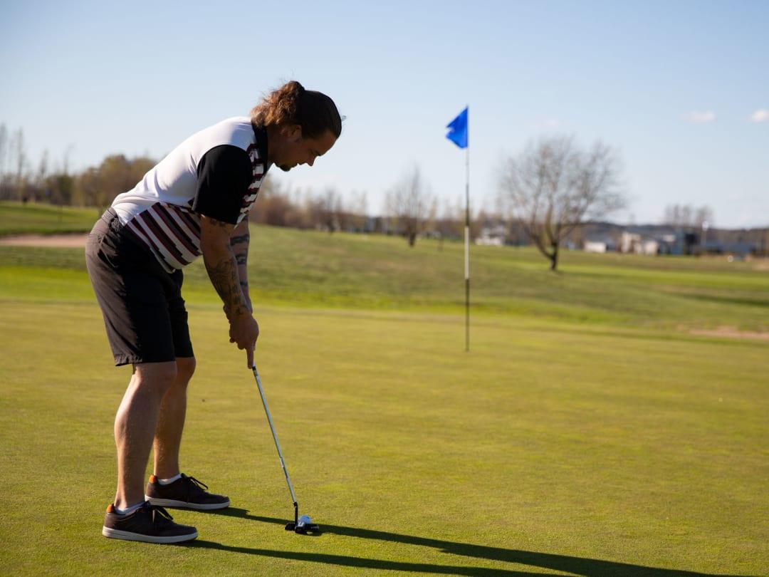 Urheiluhierontaa Golffareille